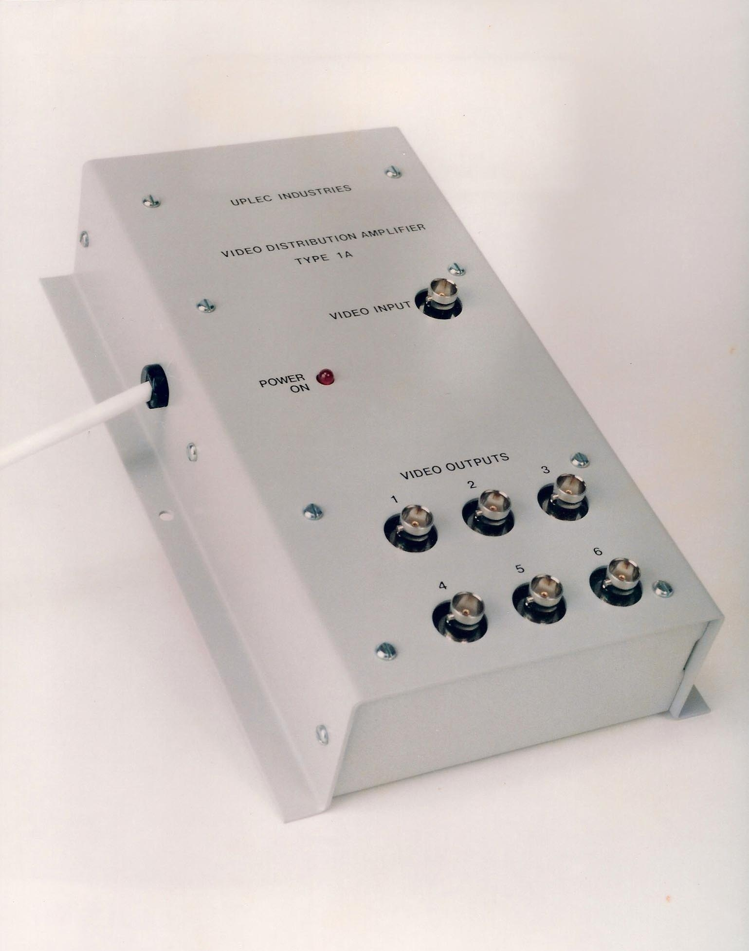 Uplec Distribution Amplifier 1A – UPLEC